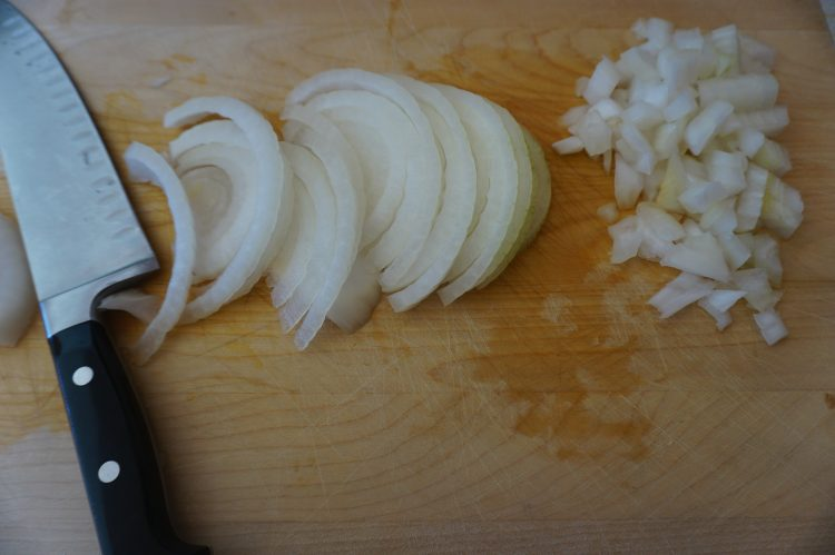 Learning how to slice an onion is easy